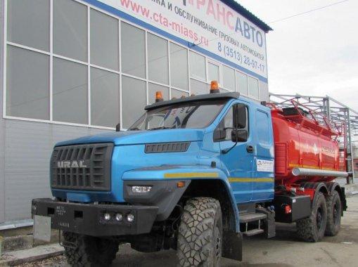 Фото: АТЗ-10 на шасси Урал Next со спальником