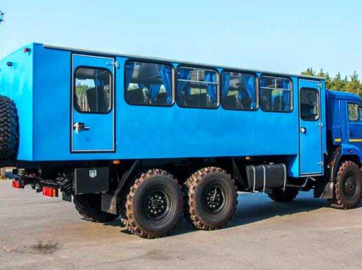Фото: Вахтовый автобус на шасси Камаз 43118-50 (32+2 места)
