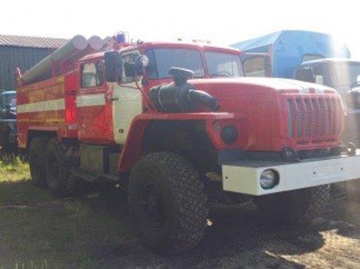 Фото: Пожарная машина АЦ-5 Урал 5557