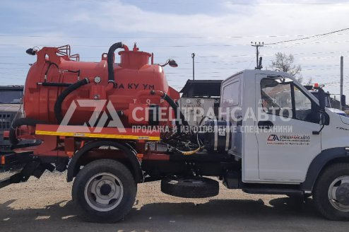 Фото: Вакуумная илососная машина МВС-3,5 ГАЗОН на шасси ГАЗ С41Р13