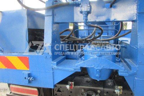 Фото: Буровая установка АЗА-3М на шасси КамАЗ 43118