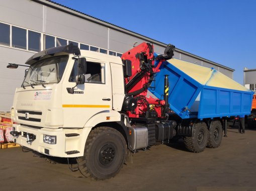 Самосвал КамАЗ 43118 с КМУ ИМ-320 с трехсторонней разгрузкой