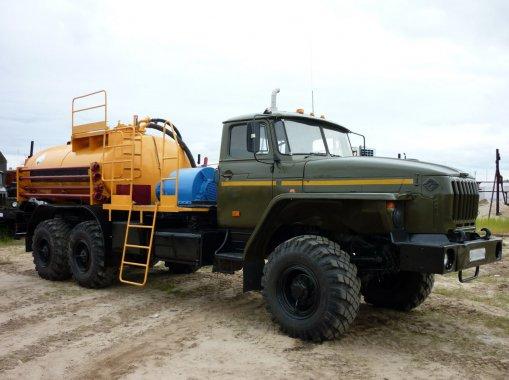 Агрегат кислотной обработки скважин СИН37.02 на шасси Урал 4320-60