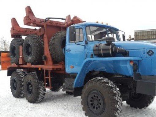 Трубоплетевозный автопоезд Урал 43204